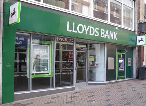 Lloyds high street bank