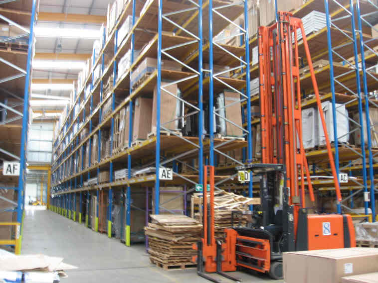Warehouse and Fork lift truck